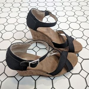 Toms black canvas strappy wedge size 8